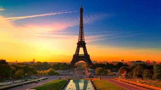 Sunset in Paris Eiffel Tower