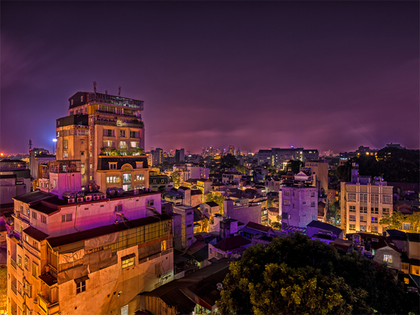 hanoi-vietnam-at-night