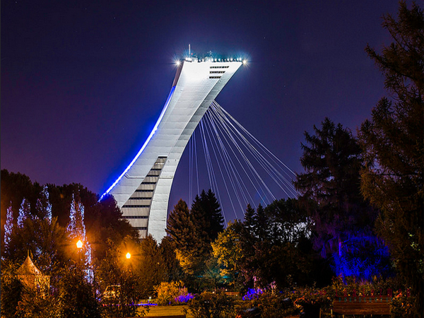 montreal-olympic-stadium-at-night
