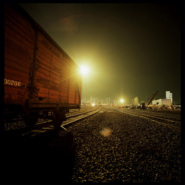 night-photography-railway